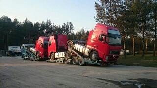 transport niskopodwoziowy ciągników siodłowych Volvo
